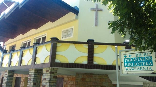 Dom parafialny parafii NMPKP w Świebodzinie